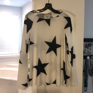 Tops - NWOT never worn super comfy star top
